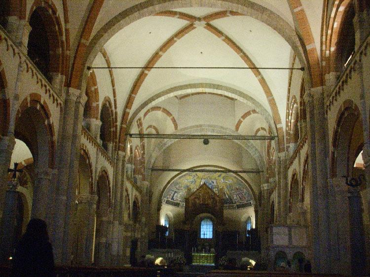 Interior Basílica de San Ambrosio